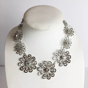 Kate Spade Silver Oops A Daisy Necklace